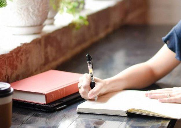 main au stylo 2 e1551201125832 - Particuliers